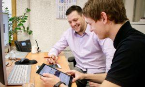 Harald Emmrich und Ben Schotman - Auszubildender Kaufmann im E-Commerce bei Leyendecker HolzLand in Trier
